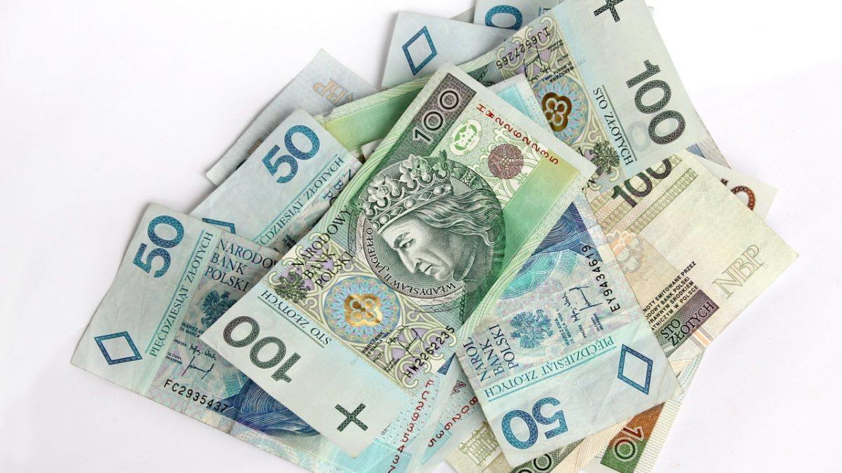 Odwrotne obciążenie VAT – informacje i wskazówki