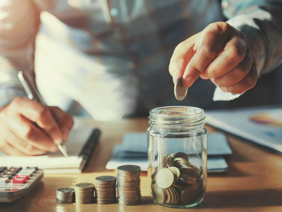 Co warto wiedzieć o koncie oszczędnościowym?
